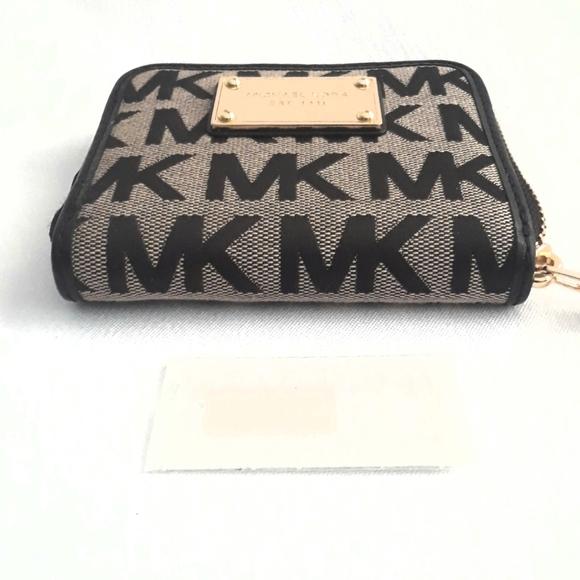 New Michael Kor Signature Zip Wallet